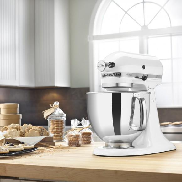 Kitchenaid Artisan Tilt-Back Stand Mixer KSM150PSWH Table